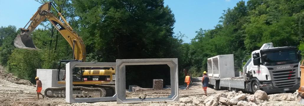 Manufatti in cemento armato, tubi, canalette, scatolari e pozzetti - Pre.ti Lucchese srl
